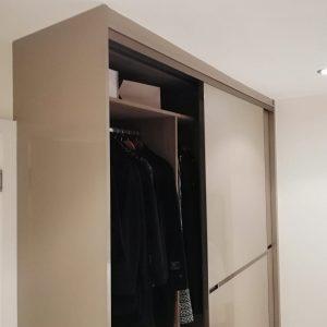 mirrored wardrobe in bedroom